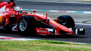 ferraris-sebastian-vettel-tests-pirellis-wide-tires-for-2017-formula-one-world-championship_100559498_h