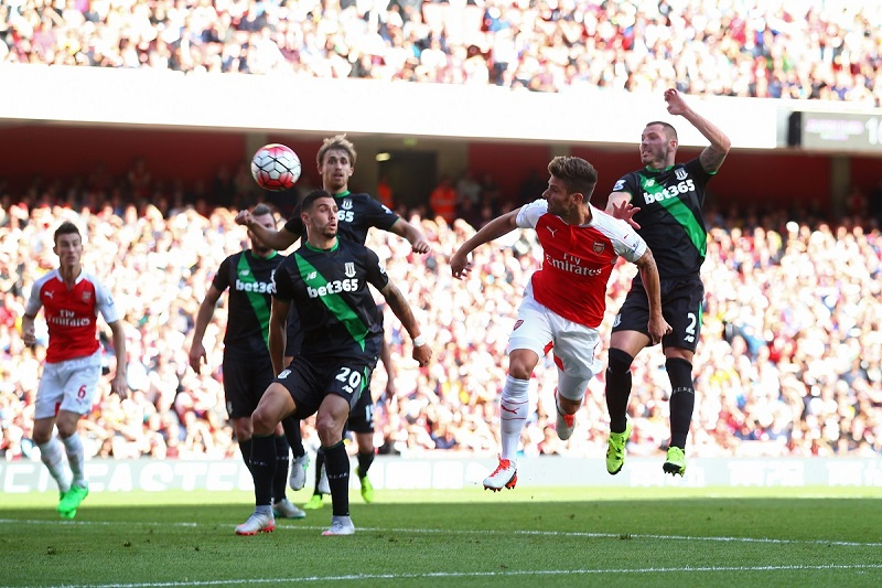 olivier-giroud-of-arsenal-scores-with-a-header-during-the-barclays-premier-league-match-between-arsenal-and-stoke-city-at-the-emirates-stadium-on-september-12-2015-in-london-united-kingdom