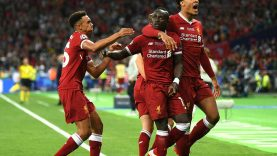 4CA810D200000578-5775177-The_speedy_winger_is_mobbed_by_his_Liverpool_colleagues_after_pe-a-28_1527370863571